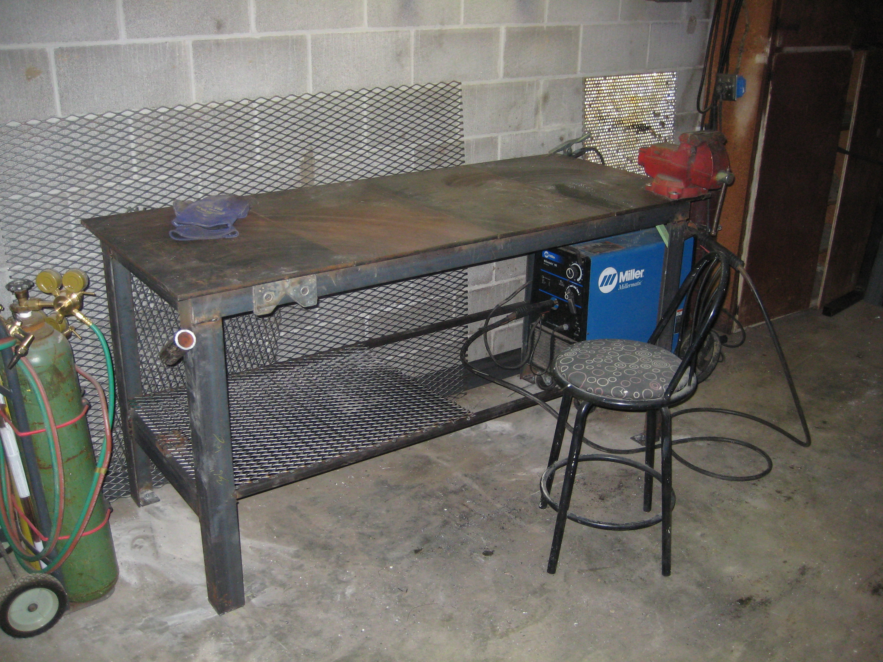 Wooden welding table plans or ideas pdf plans for Plan fabrication table